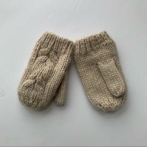 Free Zara mittens size 1.5-2 Y